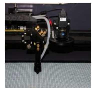 CCD-Camera-based-Label-Cutting-Machine