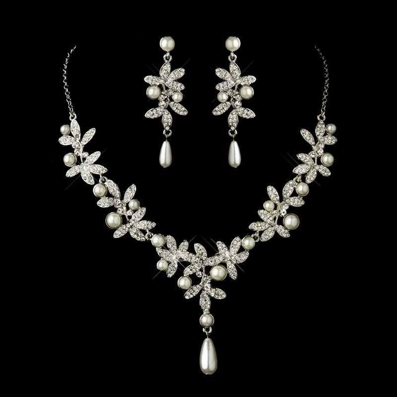 -Silver-Diamond-Necklace-
